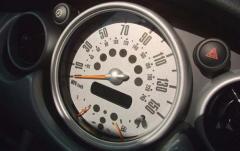 2004 Mini Cooper interior