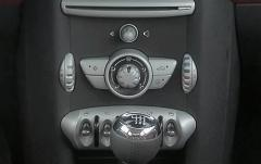 2009 Mini Cooper interior