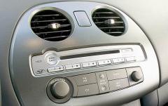 2008 Mitsubishi Eclipse interior