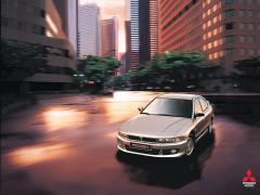 2003 Mitsubishi Galant Photo 2