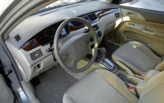 2003 Mitsubishi Lancer interior