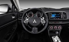 2014 Mitsubishi Lancer Photo 2