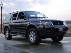 2003 Mitsubishi Montero Sport Photo 1