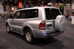 2003 Mitsubishi Montero Photo 4