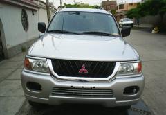2003 Mitsubishi Montero Photo 5