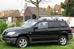 2003 Mitsubishi Outlander Photo 4