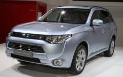 2013 Mitsubishi Outlander Photo 1