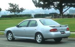 1994 Nissan Altima exterior