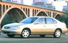 1997 Nissan Altima exterior