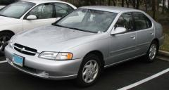 1999 Nissan Altima Photo 3