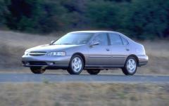 2000 Nissan Altima exterior