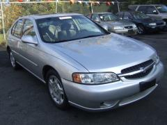 2001 Nissan Altima Photo 2