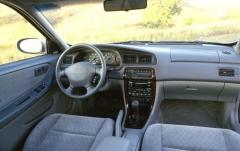 2001 Nissan Altima interior