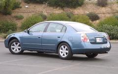 2002 Nissan Altima exterior