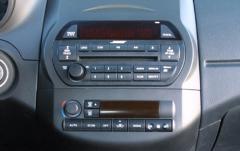 2002 Nissan Altima interior