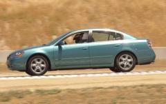 2003 Nissan Altima exterior