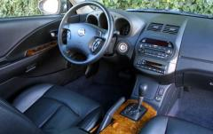 2004 Nissan Altima interior