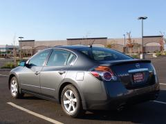 2009 Nissan Altima Photo 2