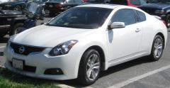 2010 Nissan Altima 2.5 S 6M/T Coupe Photo 1