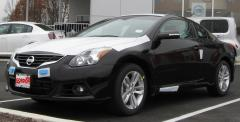 2010 Nissan Altima 2.5 S 6M/T Coupe Photo 5