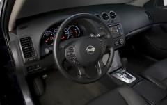 2011 Nissan Altima interior