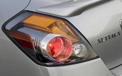 2012 Nissan Altima exterior