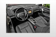 2014 Nissan Altima interior