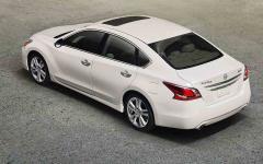 2016 Nissan Altima 2.5 Photo 2