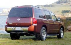 2004 Nissan Armada exterior