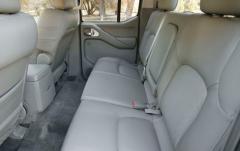 2005 Nissan Frontier interior