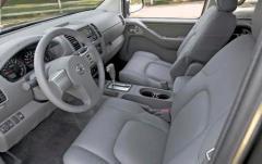 2008 Nissan Frontier interior