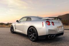 2010 Nissan GT-R Photo 7