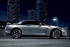2013 Nissan GT-R Photo 2