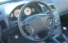 2001 Nissan Maxima interior