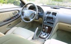 2002 Nissan Maxima interior