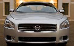 2010 Nissan Maxima exterior