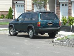 1996 Nissan Pathfinder Photo 3