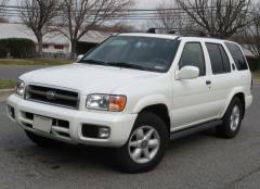 2001 Nissan Pathfinder Photo 1