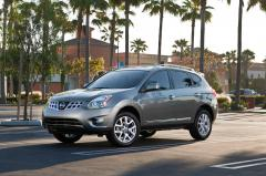 2014 Nissan Rogue Select Photo 3