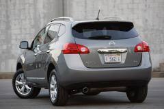2011 Nissan Rogue S 2WD Photo 3