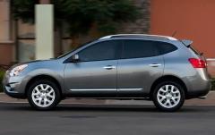 2011 Nissan Rogue S 2WD exterior