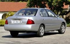 2004 Nissan Sentra exterior