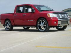 2009 Nissan Titan Photo 2