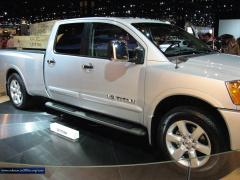 2009 Nissan Titan Photo 4