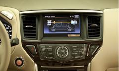 2014 Nissan Titan S King Cab 4WD Photo 4