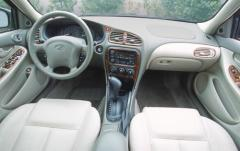 2002 Oldsmobile Alero interior