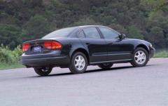 2002 Oldsmobile Alero exterior