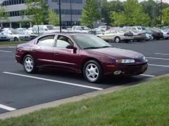 2002 Oldsmobile Aurora Photo 3