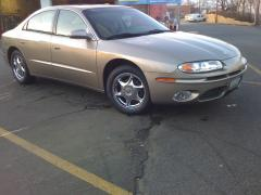 2003 Oldsmobile Aurora Photo 2