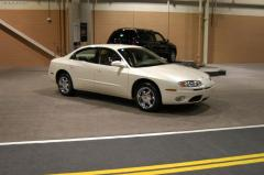 2003 Oldsmobile Aurora Photo 8
